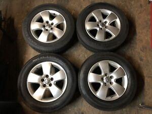 Mags et Pneus pour 01-05 Volkswagen Jetta/Golf. 195/65R15. 5x100