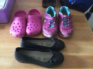 Girls size 6 shoes.