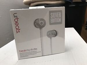 UrBeats Silver Edition
