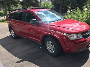 2009 Dodge Journey 4 Cylinder - Great car and low km!