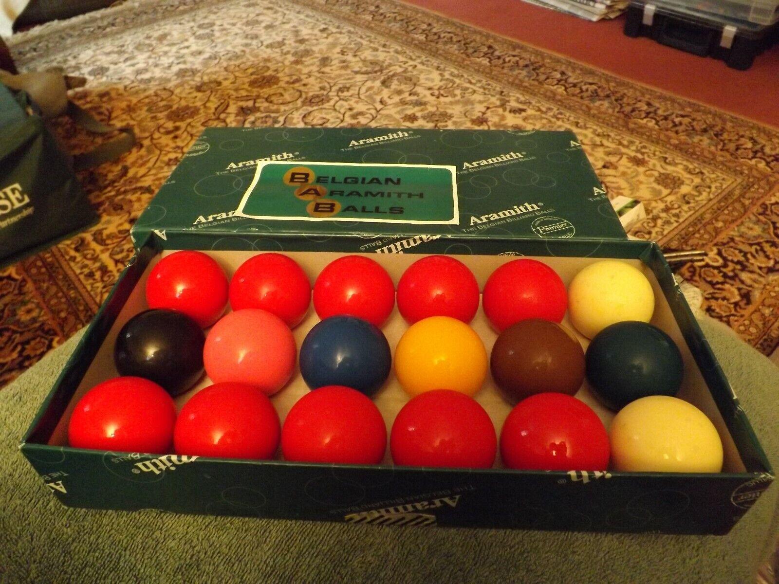 ARAMITH PREMIER 1 7/8 INCH SNOOKER BALLS  GOOD CONDITION BOXED BELGIUM