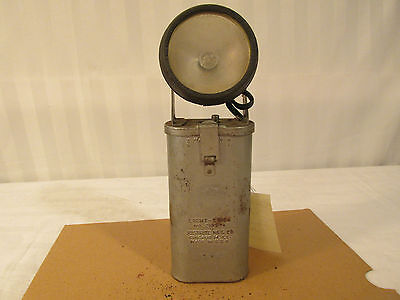 VINTAGE BELL SYSTEM LIGHT STICK 2105 4 JUSTRITE  BATTERY FLASH LIGHT LINEMAN