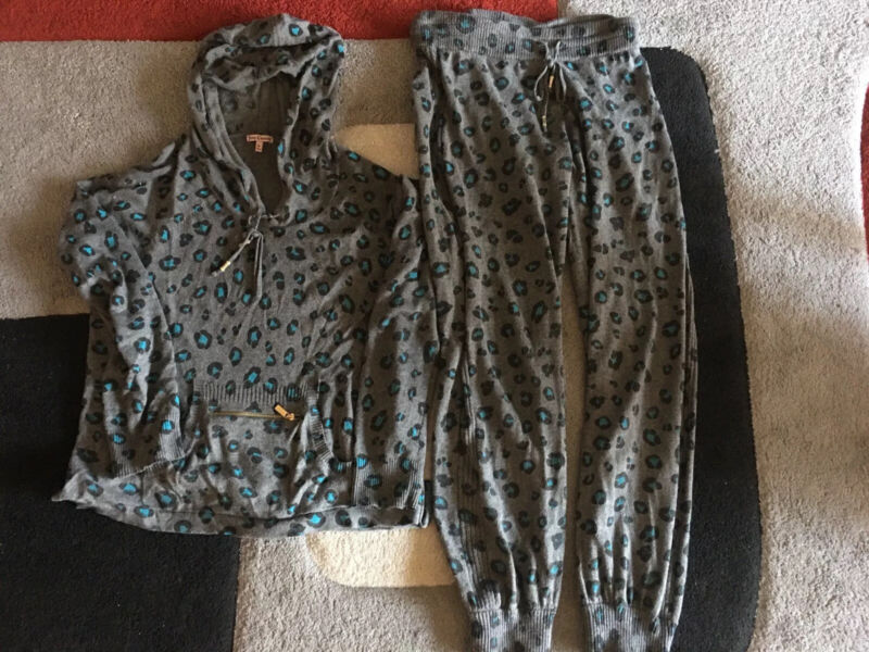 Juicy Couture Womens Knitted Set Of Two Pants And Hoody  Size M
