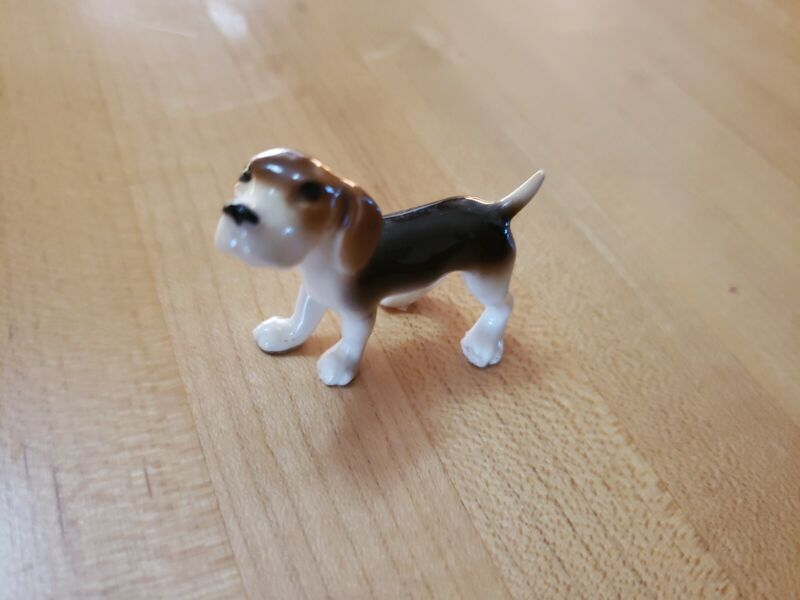 "1 1/2"" X 1 3/4"" Beagle Dog Statue Pet Figurine Animal Figure EXCELLENT CONDITION"