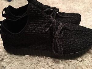 Yeezy Boost NEW sz 10