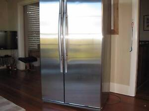 Westinghouse 660 L Fridge/Freezer. Stainless Steel Doors. Greenwich Lane Cove Area Preview