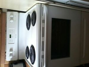 Frigidaire Electric self cleaning coil range Windsor Region Ontario image 1