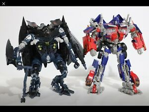 Transformers Leader-class Jetfire and Optimus Prime!