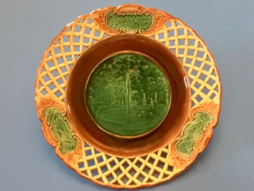 Plate Antique Wedgwood Majolica Reticulated Display Plate Fountain Scene c1800