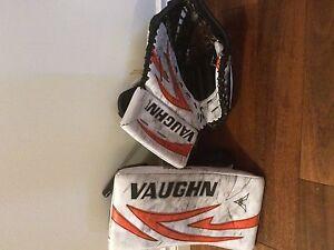 """Vaughn Pro Spec Goalie Set 34"""" +2 Regina Regina Area image 3"""