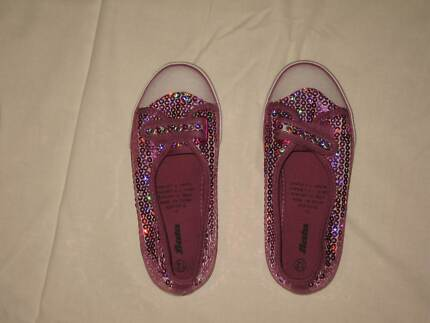 Girls Shoes Size 12 McDowall Brisbane North West Preview