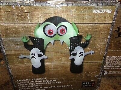 Gemmy Monster Archway Inflatable Animated Airblown Halloween Dracula