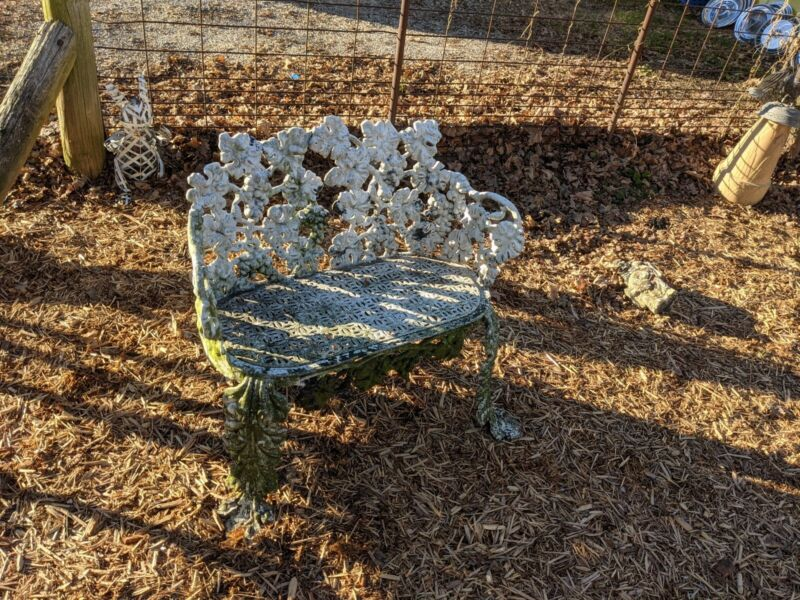 ANTIQUE HEAVY CAST IRON LARGE OUTDOOR BENCH CHAIR VICTORIAN RARE 33X30X16 VTG