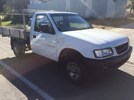 2002 Holden rodeo tray back ute rego and rwc