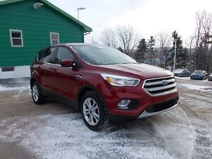 2017 Ford Escape WOW ONLY 33KM! - FOG LIGHTS - ALLOYS - BLUETOOT