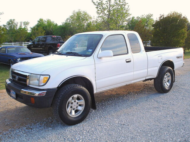 1999 toyota tacoma sr5 4wd v6 4x4 ext cab no reserve used toyota tacoma for sale in. Black Bedroom Furniture Sets. Home Design Ideas