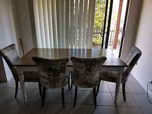 6 SEATER TABLE AND CHAIRS Worongary Gold Coast City Preview