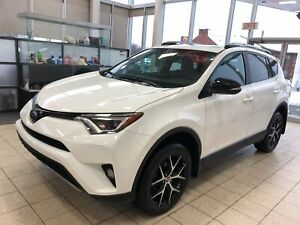 2017 Toyota RAV4 SE 4X4  CUIR BLUETOOTH TOIT OUVRANT