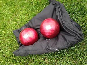 Deux boules de bowling légères