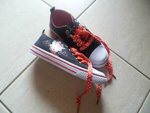MINNIE MOUSE SNEAKER/CANVAS SHOE, SIZE 2 Landsdale Wanneroo Area Preview