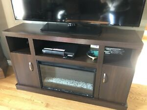 Cabinet fireplace with heat