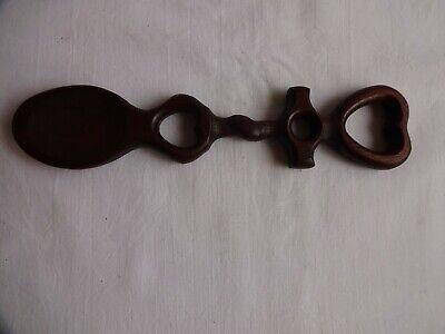 VINTAGE HAND CARVED WOODEN WELSH LOVE SPOON LENGTH  21 cm