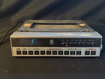 GE Spacemaker Under-Cabinet AM/FM Kitchen Clock Radio Tested Working Rv Camper