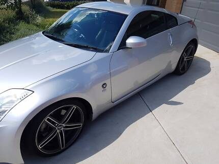 2006 Silver Nissan 350z Coupe