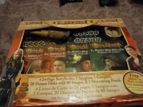 Disney Pirates of the Caribbean Deluxe Book Gift Set-NEW