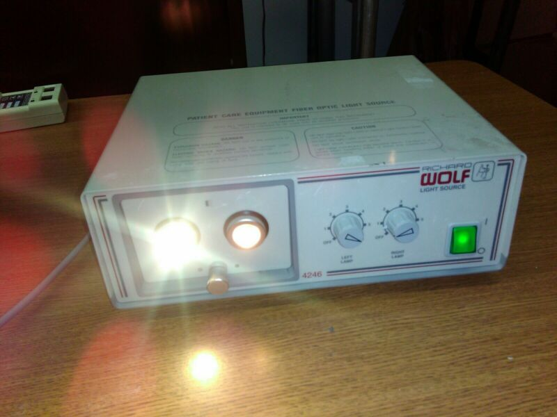 Richard Wolf 4246 Dual Port Light Source Electrosurgical Fiber Optic Generator
