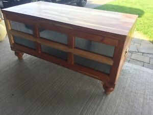 Solid wood storable bench/coffee table