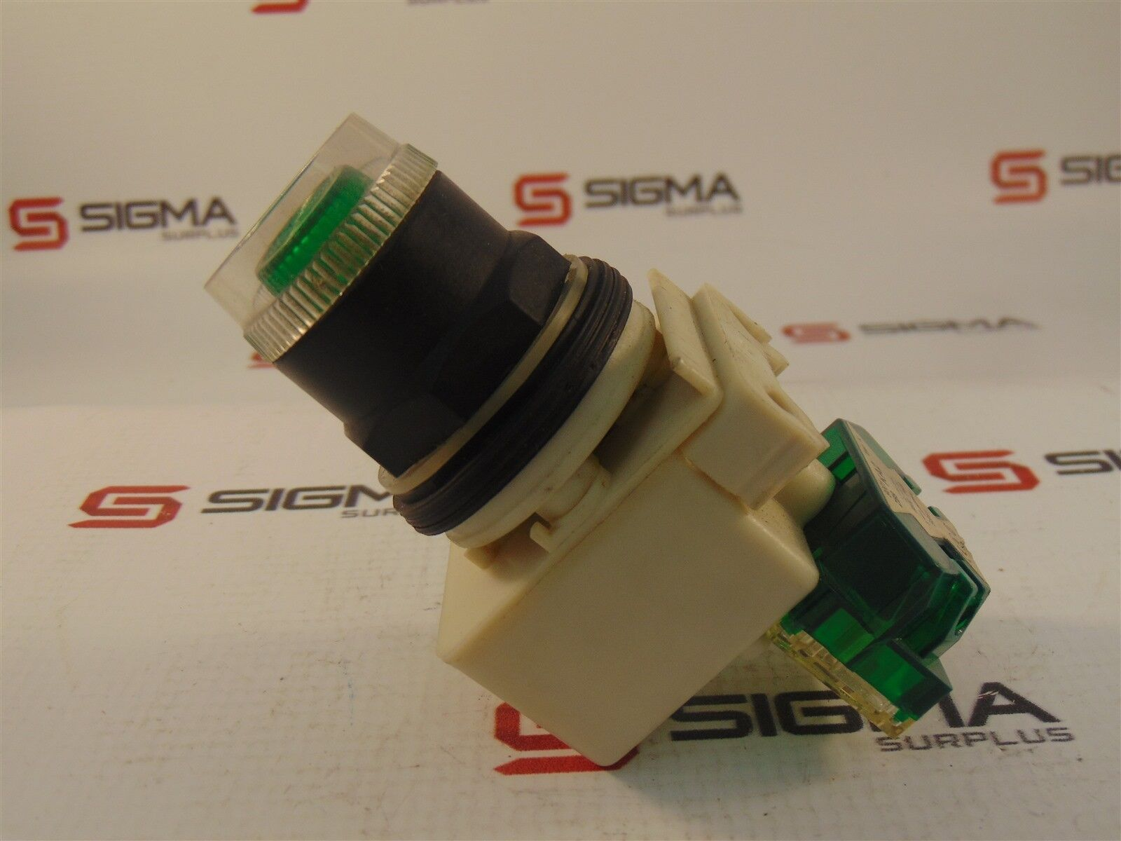 Square D KM35 Green Pushbutton series H 24-28V w/9001KA2 Contact Block Series K