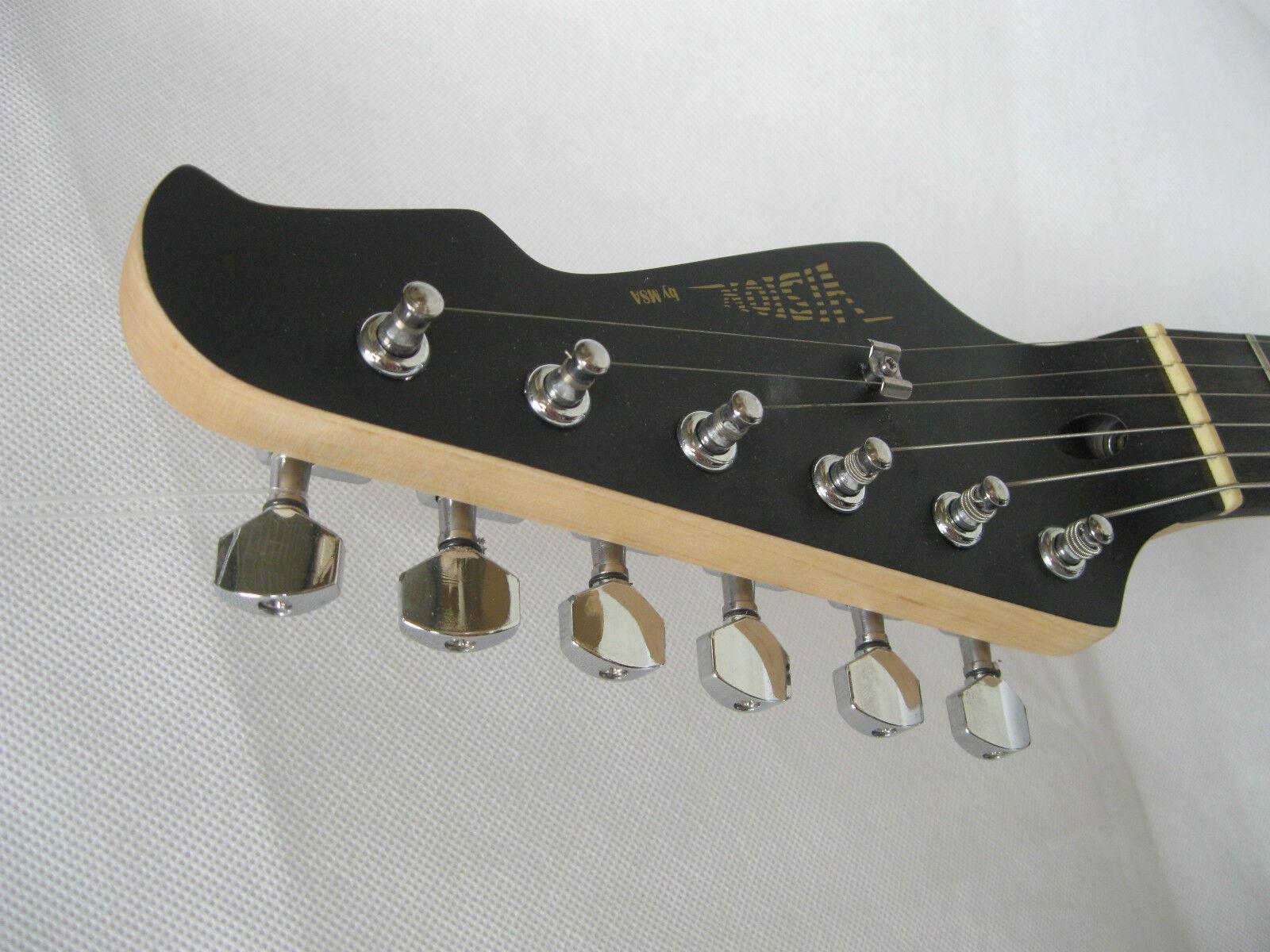 ^^^ MATT - SCHWARZE ^^^ E-Gitarre - Elektrogitarre -massiv -Tremolo -Kabel -5BM