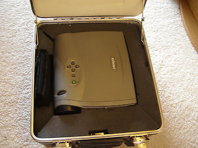 Infocus Lp335 Portable Projector With Hard Case- Remote Control And Extra Bulb