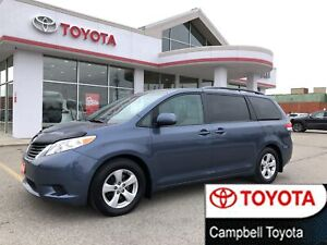 2014 Toyota Sienna LE--1 OWNER--CLEAN CAR PROOF--EXCELLENT CONDI