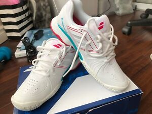 Women Babolat White Tennis Shoes in US size 7
