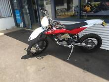 2010 husqvarna te511 excellent condition low 1500kms Taminda Tamworth City Preview