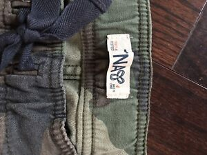 TNA size 4 camo jogger style pant-never worn