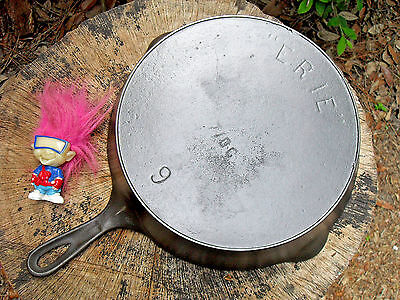 """ERIE"" Cast Iron Skillet 9, 710 G, Pre-Griswold ERIE Level Clean Very nice"