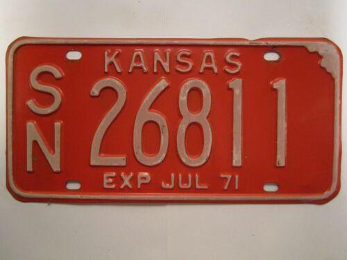LICENSE PLATE Car Tag 1971 KANSAS SN 26811 [Z279]