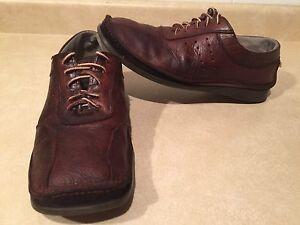 Men's Bata Leather Shoes Size 10
