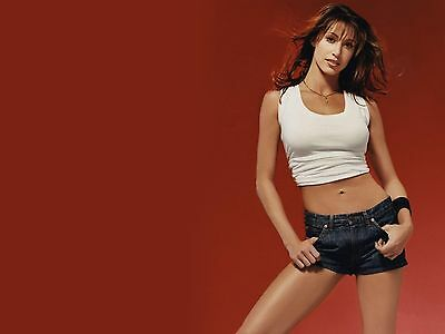 Shannon Elizabeth Unsigned 8X10 Photo  14
