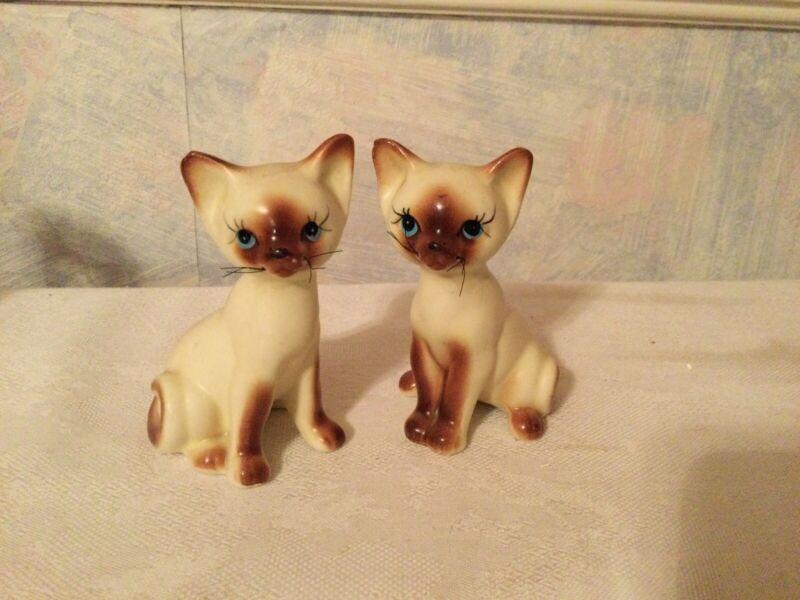 "VTG Siamese Cat Salt And Pepper Shakers Blue Eyes Japan 4"" & 4.5"". Mid Century"