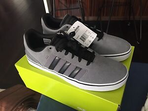 Men's Adidas Neo Sneakers (NEW IN BOX) size 11.5