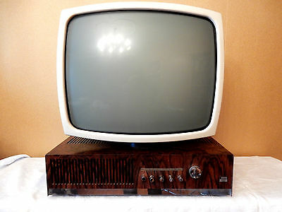 Cool 60´s Gerd Müller design WEGA television Fernsehgerät System 3000 Palisander