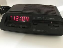 Vintage, GE General Electric 7-4621A  AM-FM Dual Alarm Clock Radio