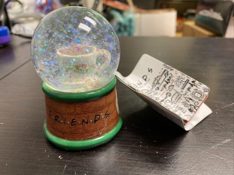 "Friends Tv Show Central Perk Mini Lighted Snow Glitter Globe 3"" YY"