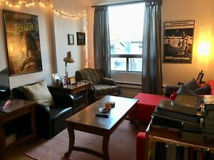 Downtown 1-bedroom by the Library - May 1st Lease Takeover