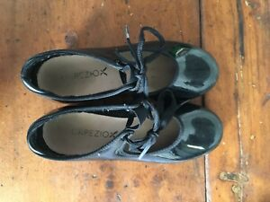 Girls tap shoes size 1