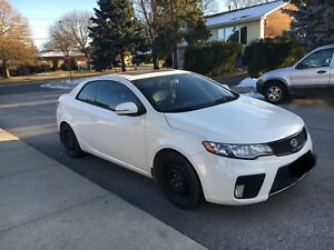 2012 KIA FORTE KOUP*FULLY LOADED*LEATHER SEATS*LOW KMS
